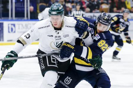 Victor Ejdsell i FBK-tröjan. Foto: Stefan Persson / BILDBYRÅN