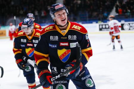 Emil Johansson i DIF-tröjan. Foto: Andreas Sandstršöm / BILDBYRÅN