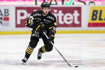 Jonathan Andersson i AIK-dressen. Foto: Andreas L Eriksson / BildbyrΌn